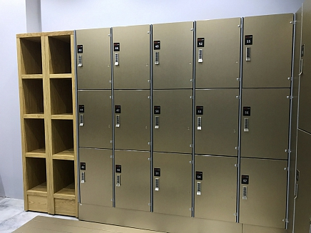 THREE COMPARTMENT LOCKER
